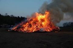 Osterfeuer_Feuerwehr
